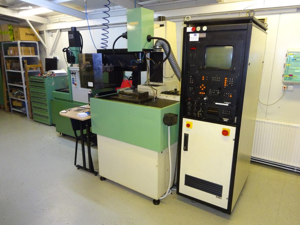 MAHO Hansen Erocom Sinker EDM machine