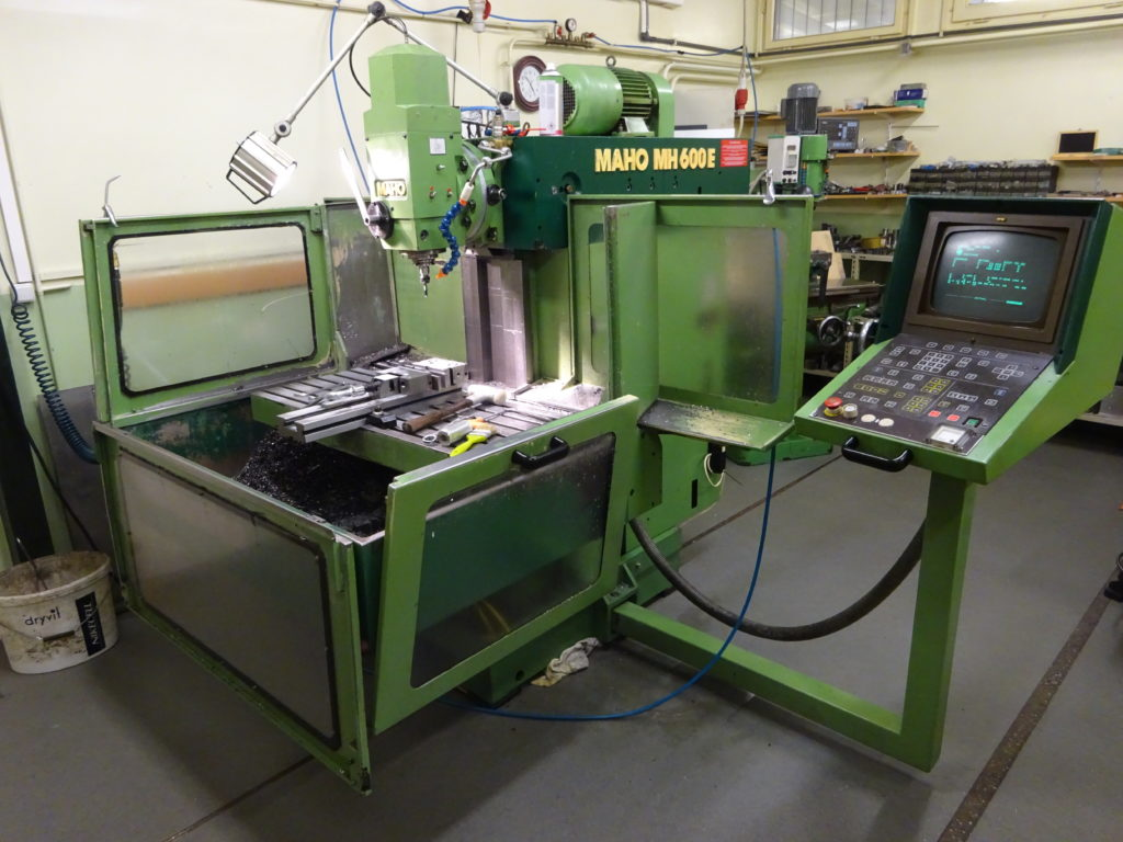 MAHO MH 600 E CNC milling machine